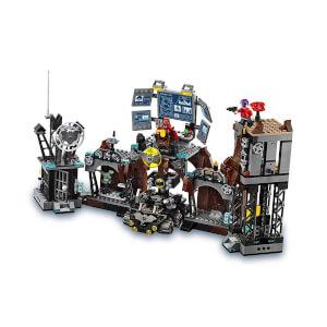 LEGO DC Comics Super Heroes Batcave Clayface'in İşgali 76122