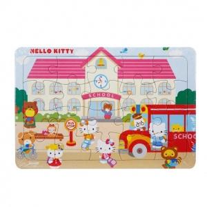 20 Parça Puzzle : Hello Kitty Okulda