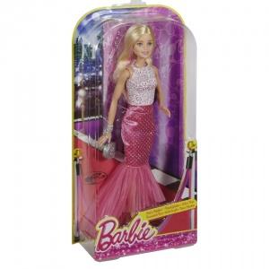 Barbie ve Büyüleyici Pembe Elbisesi