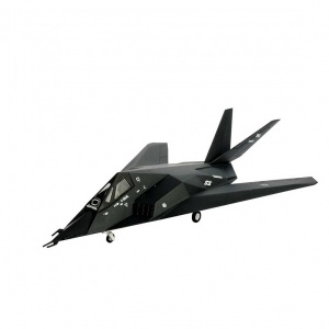 Revell 1:144 F-117 Stealth Fighter Model Set Uçak