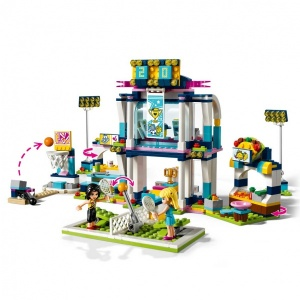 LEGO Friends Stephanie'nin Spor Sahası 41338