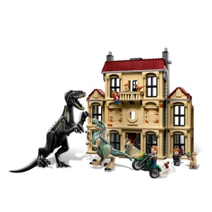LEGO Jurassic World Lockwood Estate'te Indoraptor Hücumu 75930