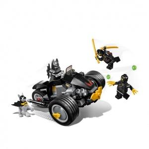 LEGO DC Comics Super Heroes  Batman: The Attack Of The Talons 76110