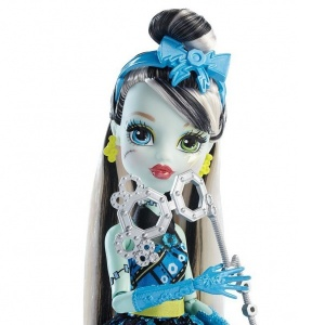 Monster High Acayip Kostüm Partisi (Frankie Stein)