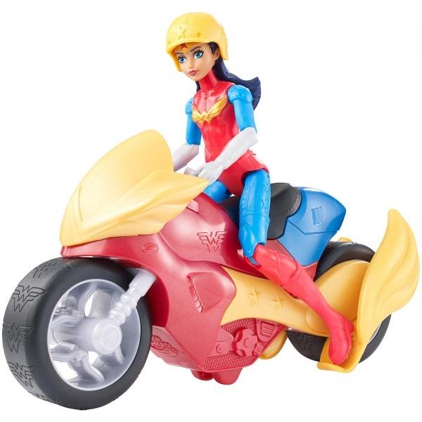 DC Super Hero Girls Aksiyon Figürü ve Aracı