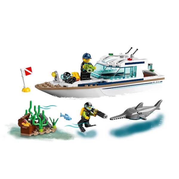 LEGO City Great Vehicles Dalış Yatı 60221