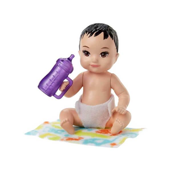 Barbie Bebek Bakıcılığı Oyun Seti FHY76
