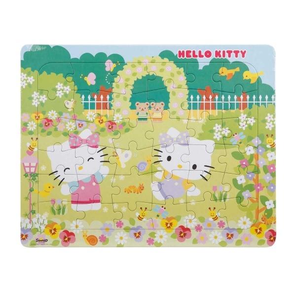 36 Parça Puzzle : Hello Kitty Çiçeklerin İçinde
